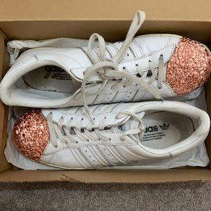 Adidas superstars plain  rose gold